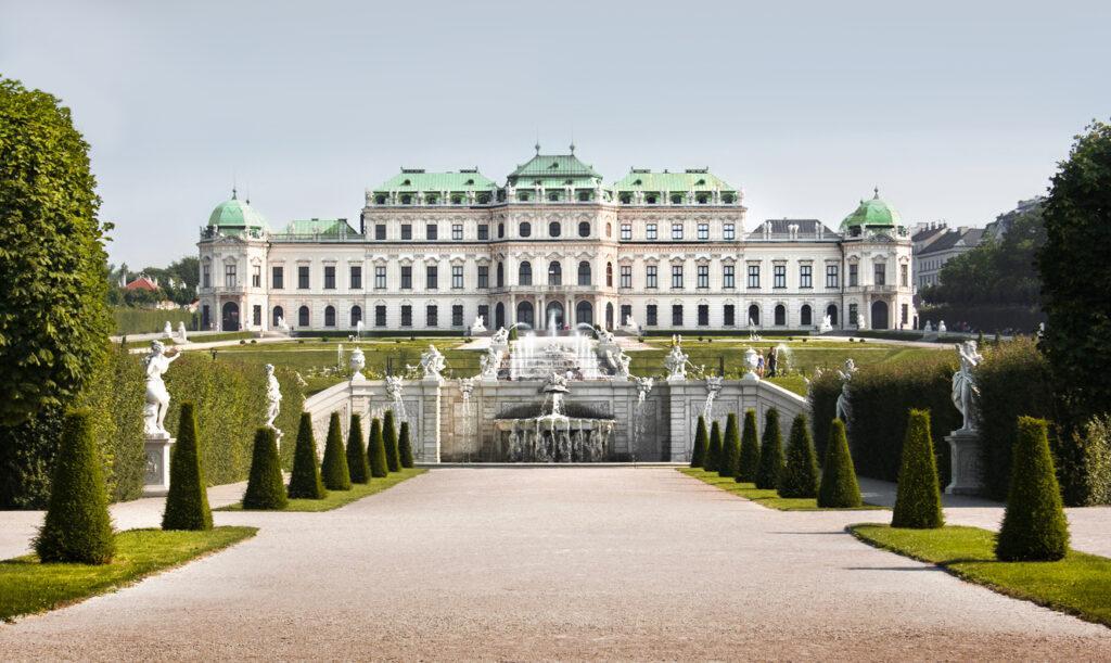 Schloss Belvedere und Park